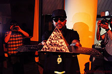 Thumbnail image for The-Dream Shows Off 'IV Play' Physical Artwork At NYC Listening Event